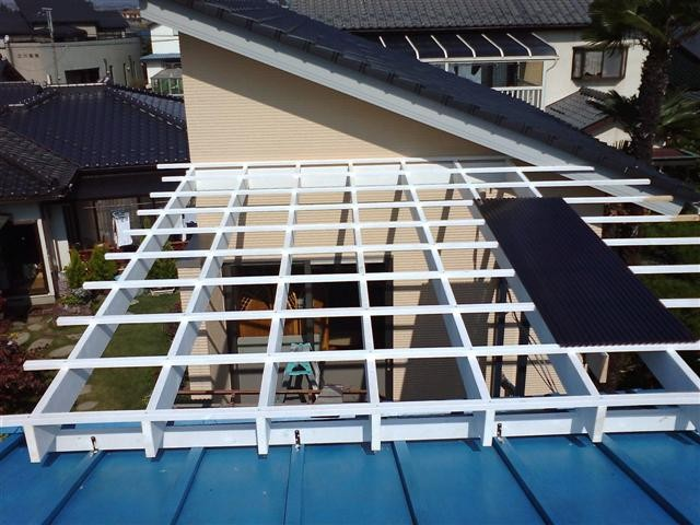 屋根材取り付け下地完成。