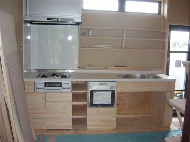 大工さんの手作りキッチン完成しました。