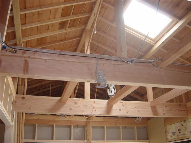 リビングの天井です。天窓を付けました、日差しの差込む明るい部屋になりますよ。