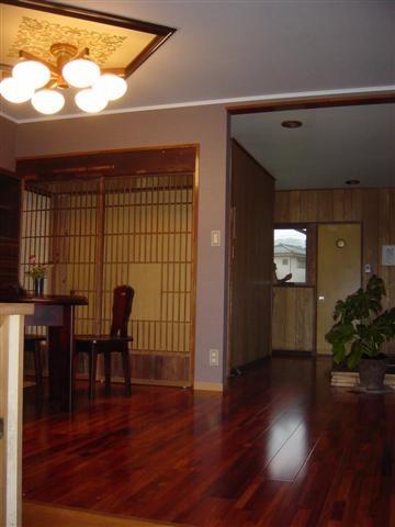 洋室リフォーム完了です。大。接室の壁を取り、西洋不風玄関ロビーに作り変えました。