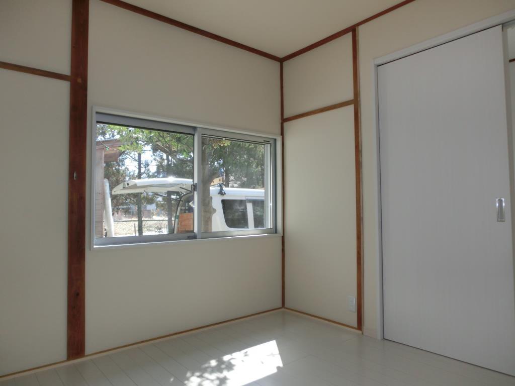 和室入口はドアから引戸に変更しました。