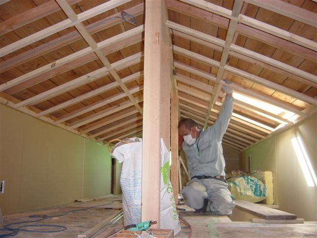 ロフト天井貼り作業中。。