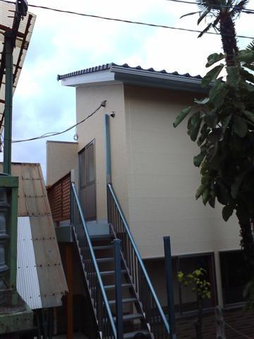 .新設事務所と旧事務所を屋根でつなげます。