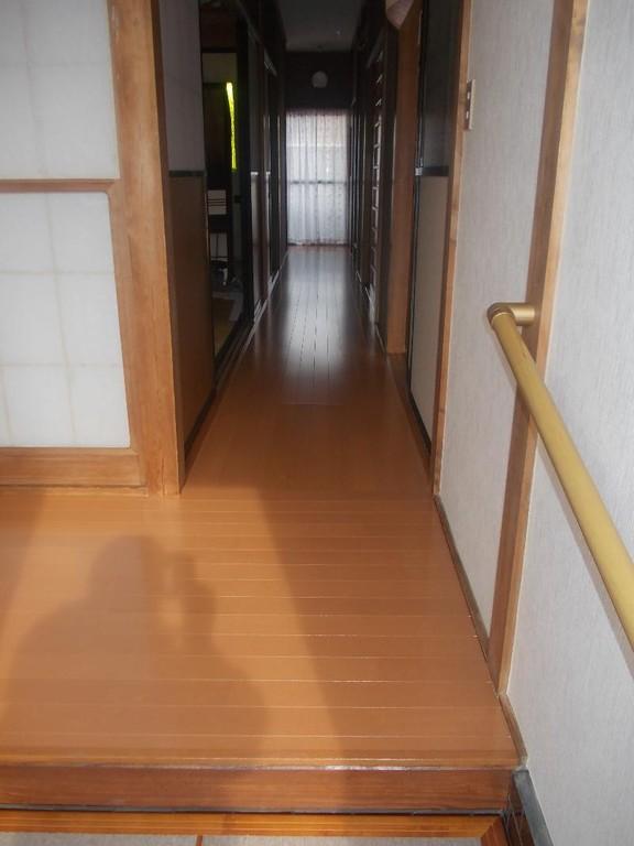 新しい床板に張替え完了しました。すごくキレイです!