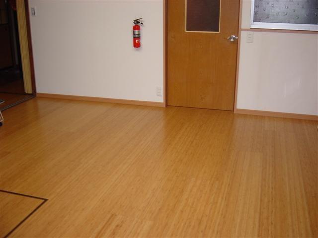リフォーム完了です!床も綺麗に仕上がりました。