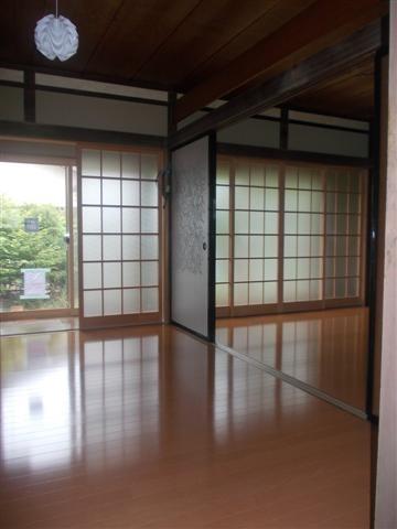 和室もフローリングでキレイにリフォーム完了。