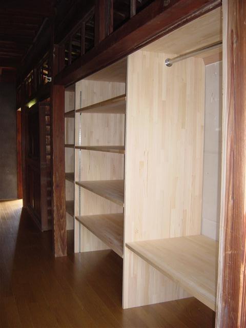 スペースを有効利用!物入れの棚を作りました!
