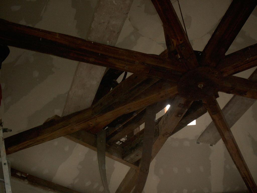 Holzbalken Dachstuhl vorher