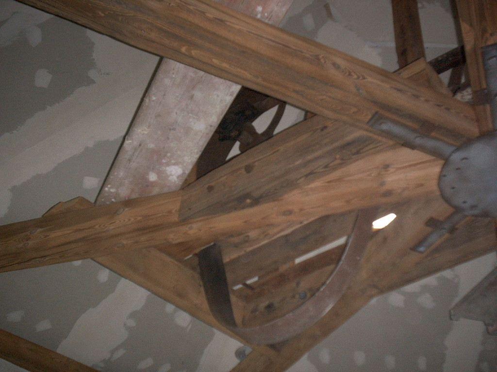 Holzbalken Dachstuhl nach dem reinigen