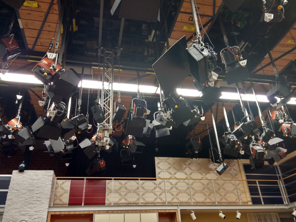 Unglaublich wieviele Scheinwerfer da oben hängen!