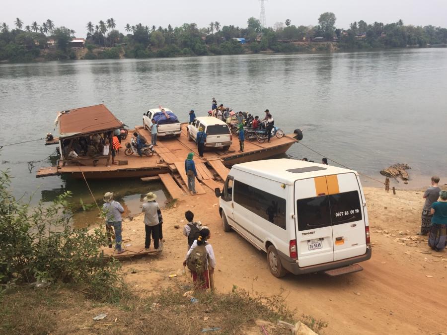 Fähre über den Tonle San Richtung Norden