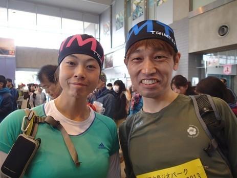 伊豆大島ジオパークロゲイニング会場でヘッドバンドご購入の参加者の方