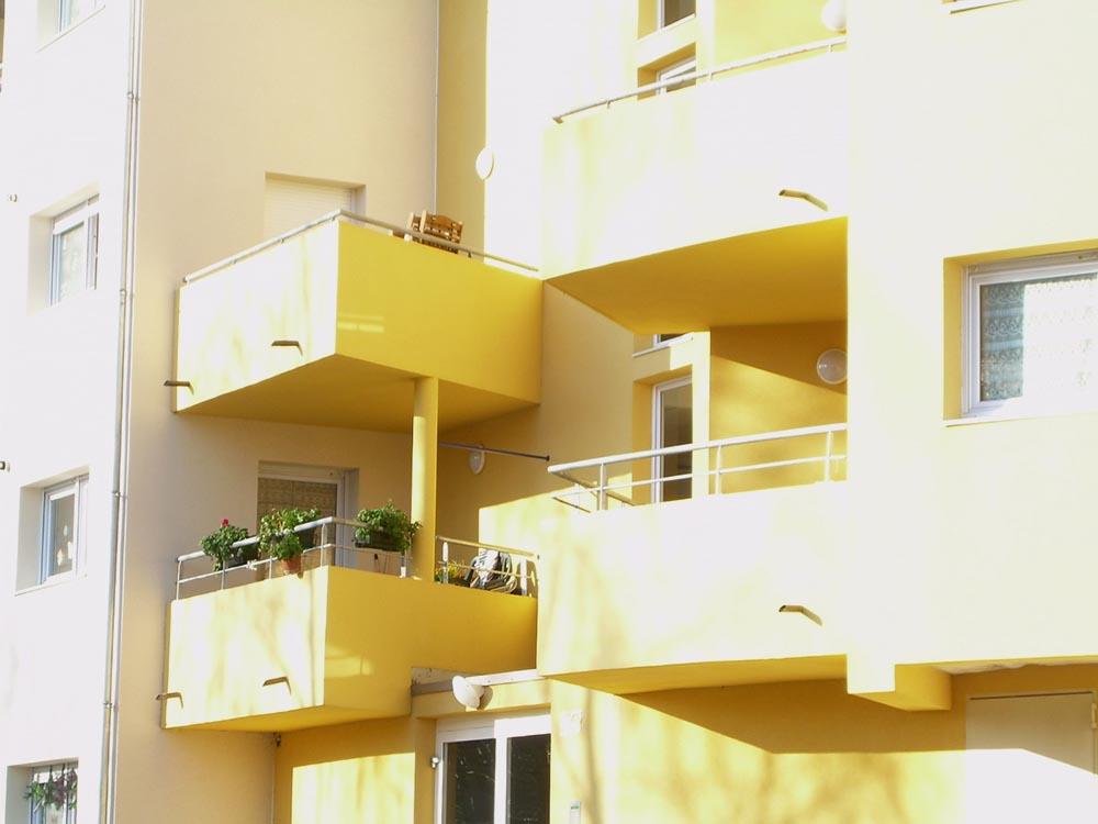 Construction de logement collectifs, balcons