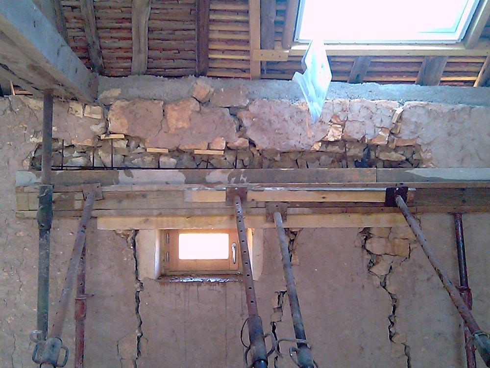 Réparation d'un mur fissuré