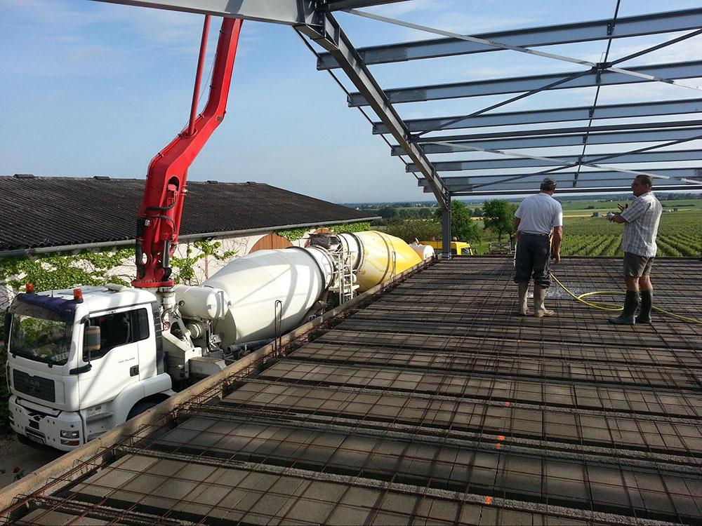 Construction d'un chai viticole, coulage plancher