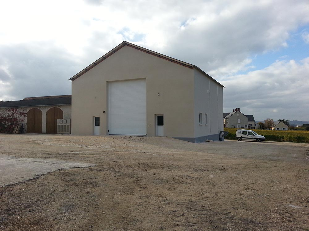 Construction d'un chai viticole, façade
