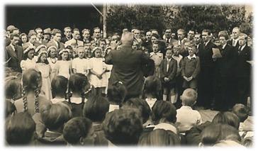 "Männer- u. Kinderchor im Rahmen d. ""Singenden Dorfes"" 1949"