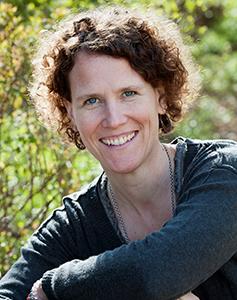 Corinne Kaufmann (Klangschalen)