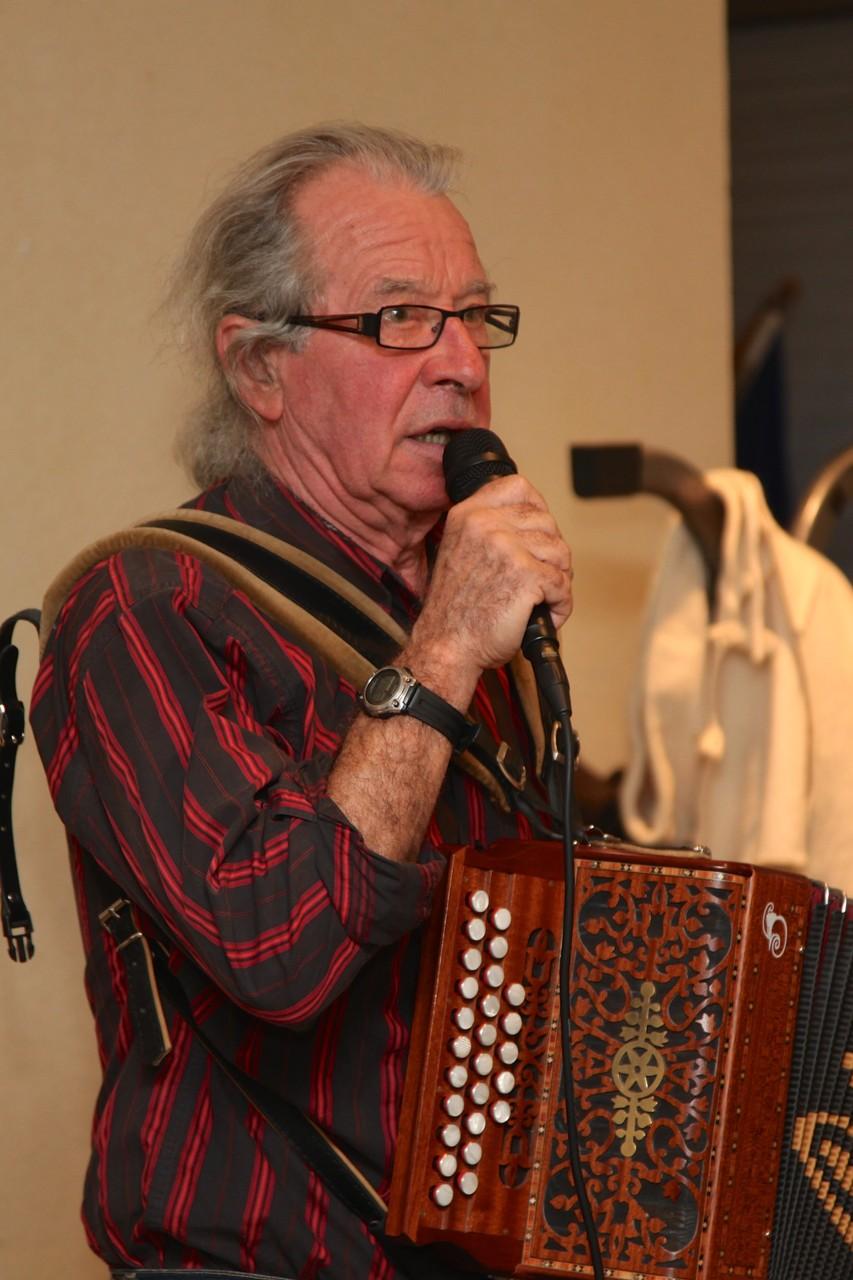 Jean-Marie notre chanteur