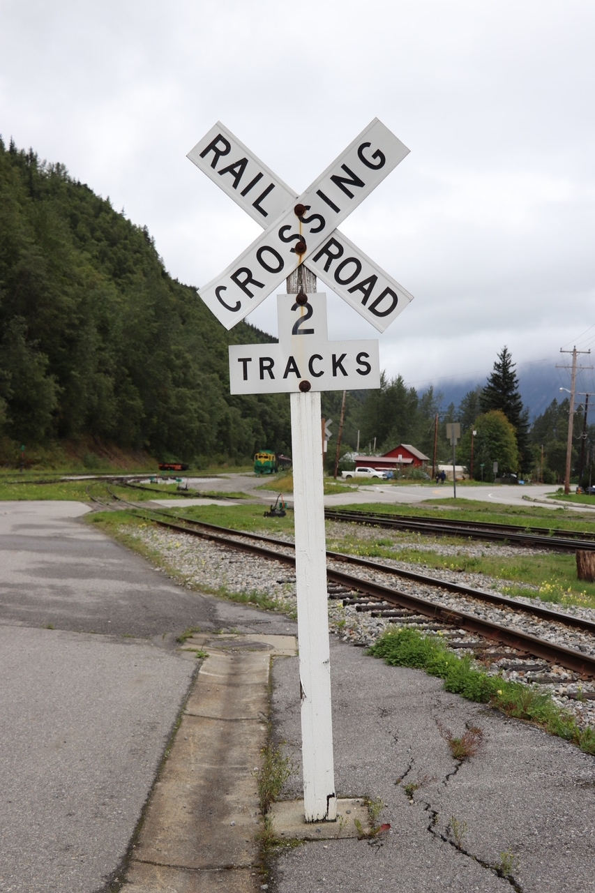 Oh really the Railroad has two tracks!!!