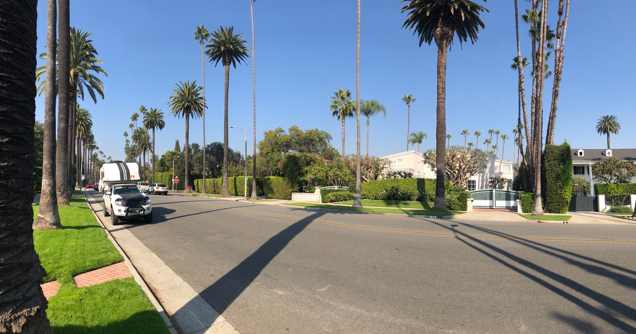 A typical drive way in Beverly Hills....