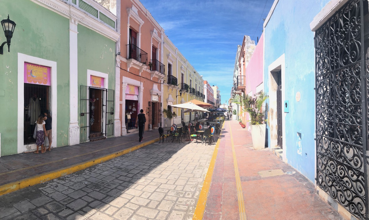 ..the old town of Campeche was incredibly clean...we're not used to that anymore ;-)