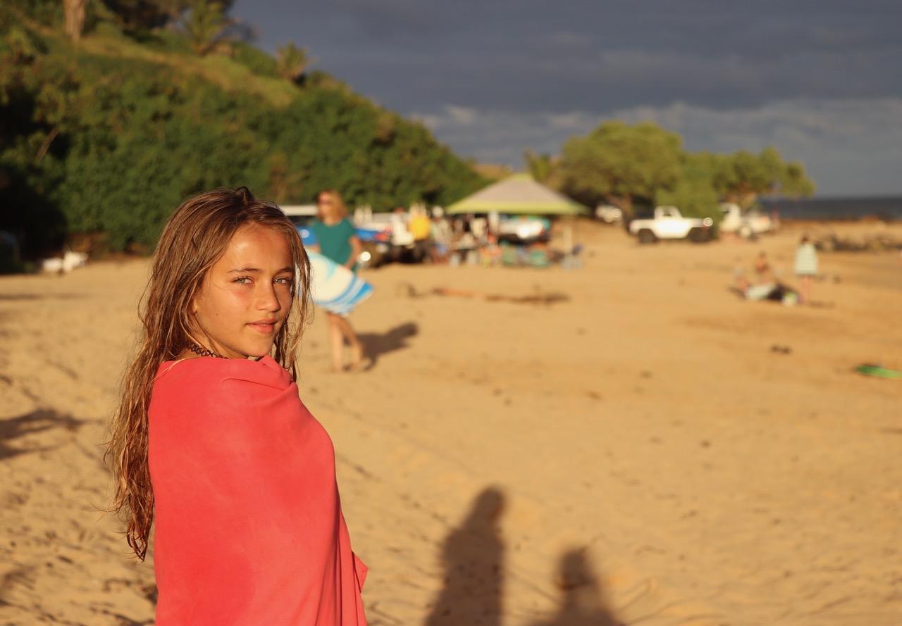Lynn posing on Keālia Beach