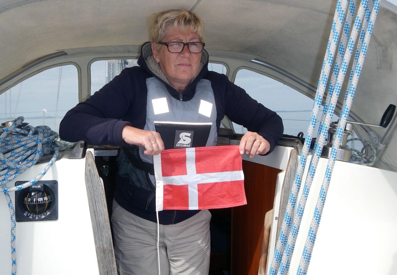 Die Gastlandsflagge wird gleich gesetzt