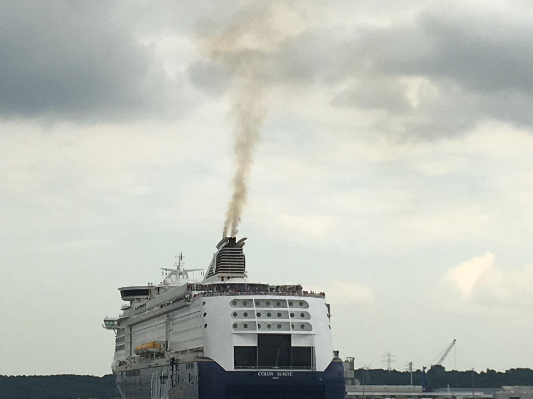 Es lagen noch drei weitere Kreuzfahrtschiffe in Kiel