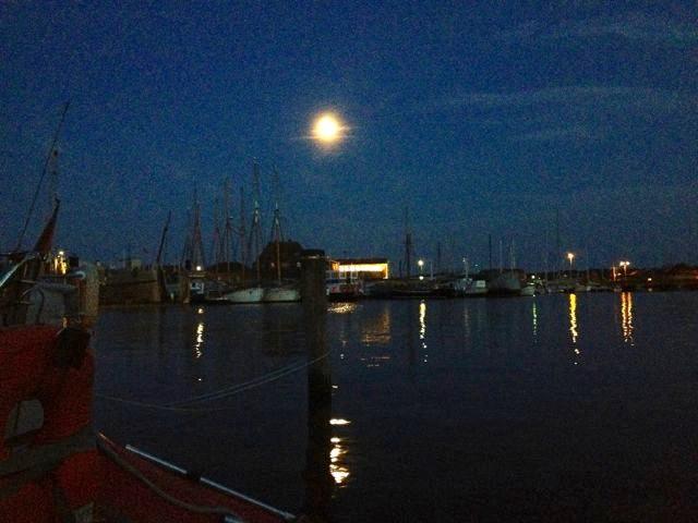 Mond über Svendborg