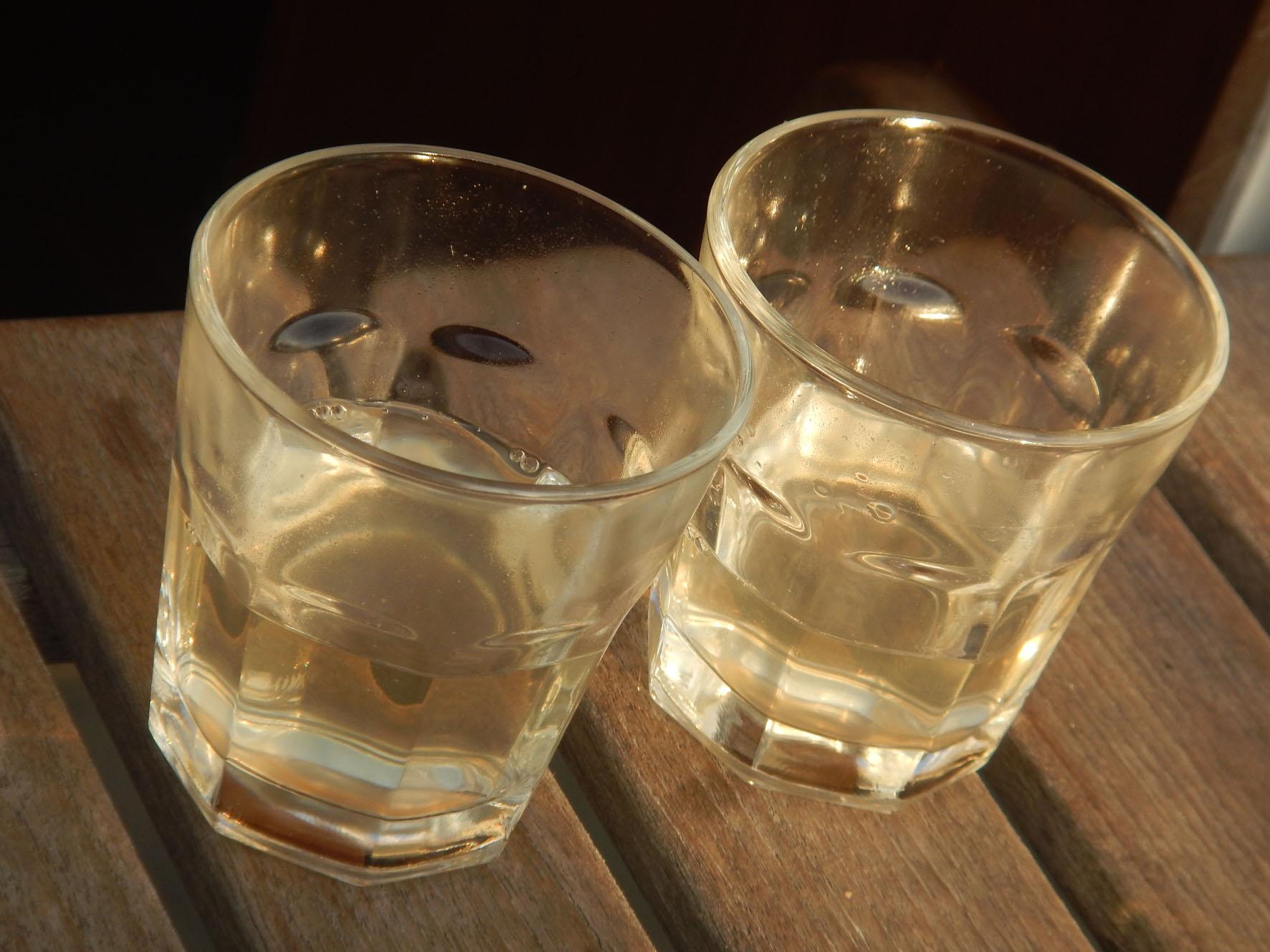 Rum wartet auf Verdünnung