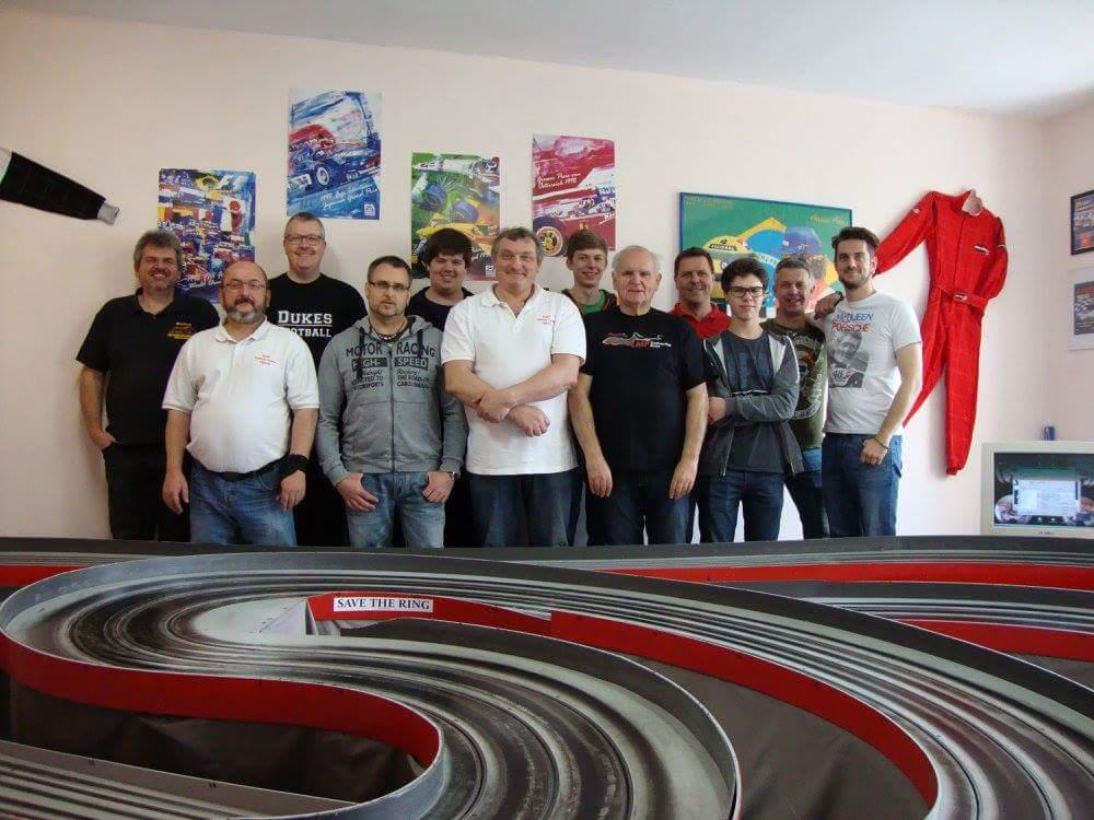 Die 12 Teilnehmer