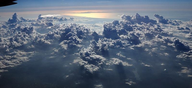 宮川享 「わき立つ雲」 (東北地方上空)