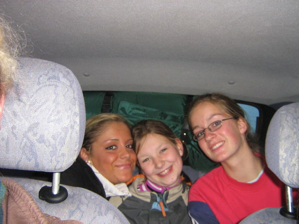 Janny, Sabbi und Debbi auf der Hinfahrt