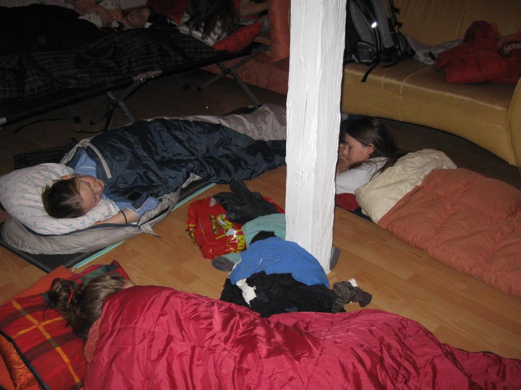 ..die Schlafplätze wurden verlost...