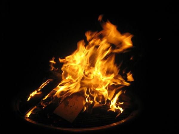 Thomas hat uns sogar ein kleines Feuerchen in seinem Garten gemacht.