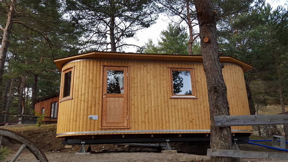 BARRIQUE : POUR 2 PERSONNES TOUT LE CONFORT, mobile-home to rent, caravan, barrel, chalet, bedroom