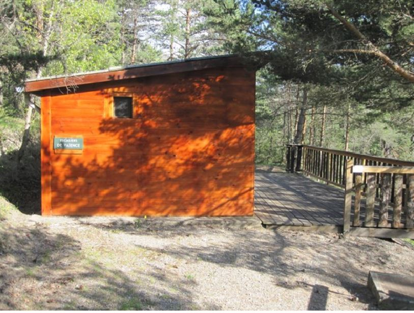 CHALET STANDARD 2 CHAMBRES 4 PERONNES, mobile-home to rent, caravan, barrel, chalet, bedroom