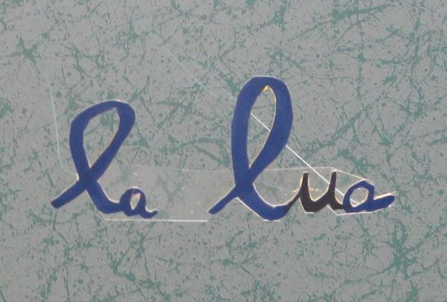 Nom de satellite écrit par un enfant de la calendreta
