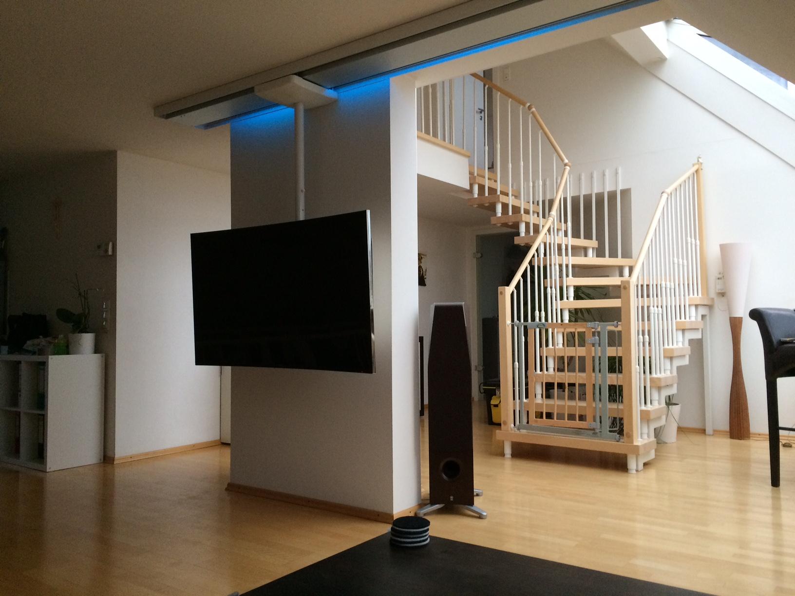 TV Deckenhalterung ScreenTrain Tagesbeleuchtung