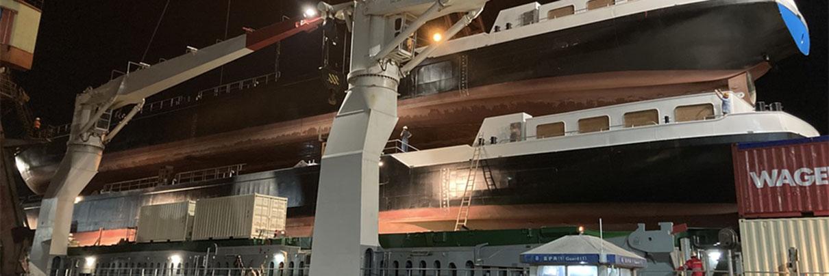 Twee casco's onderweg uit China
