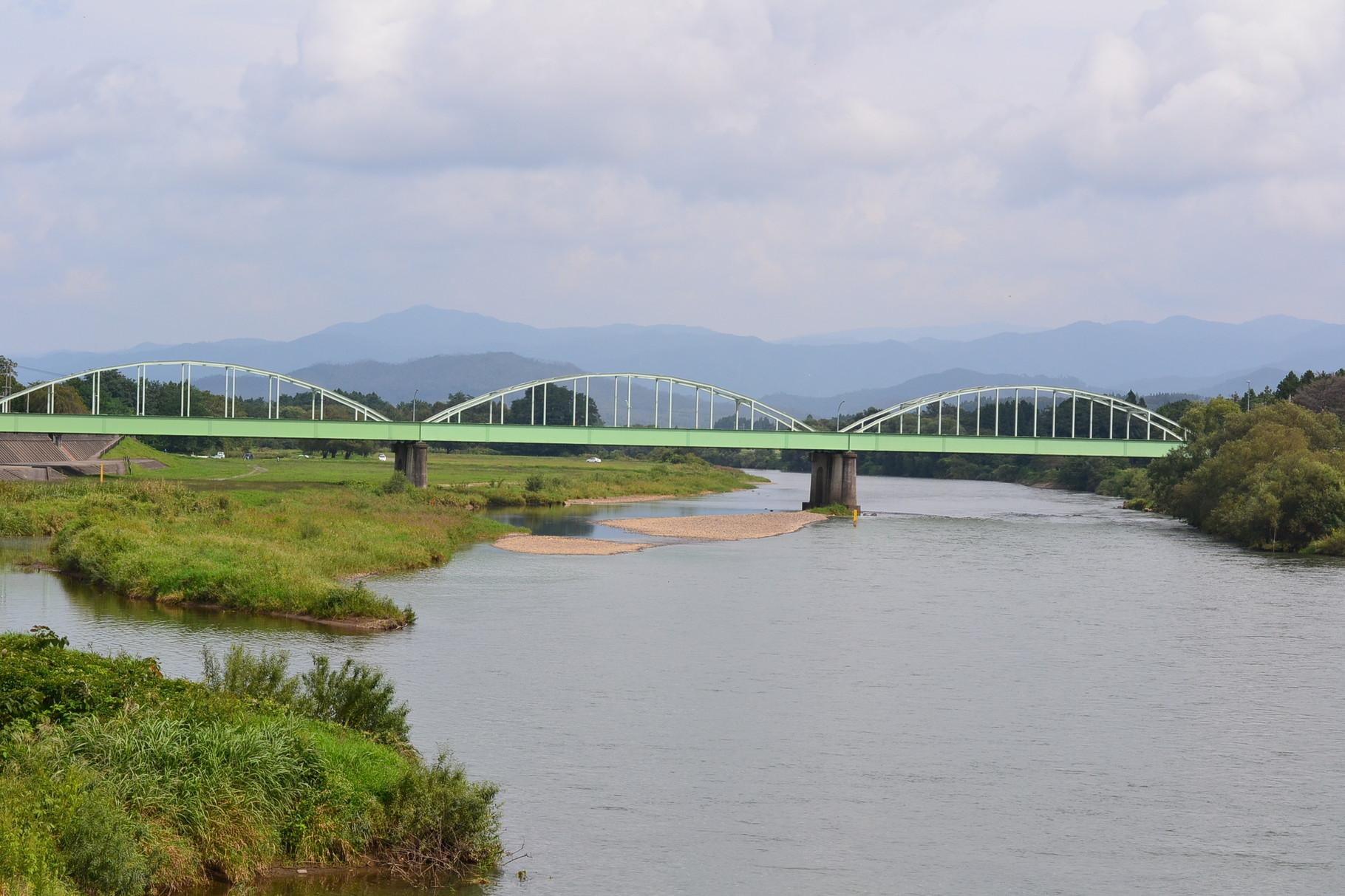 大正橋と北上川