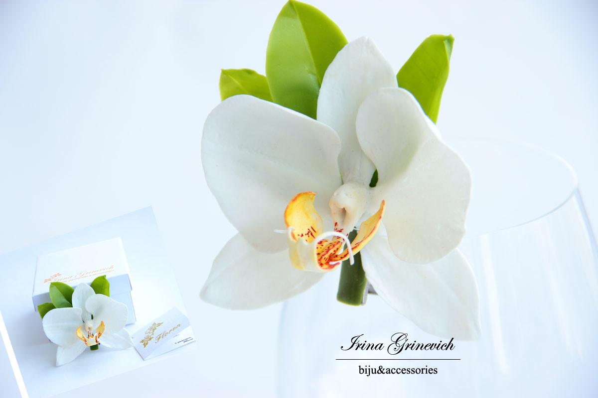 Заколка- зажим с орхидеей их холодного фарфора
