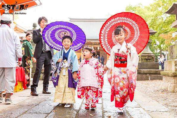SSTaB!!の七五三出張写真撮影は、番傘無料で子供達も大喜び!!