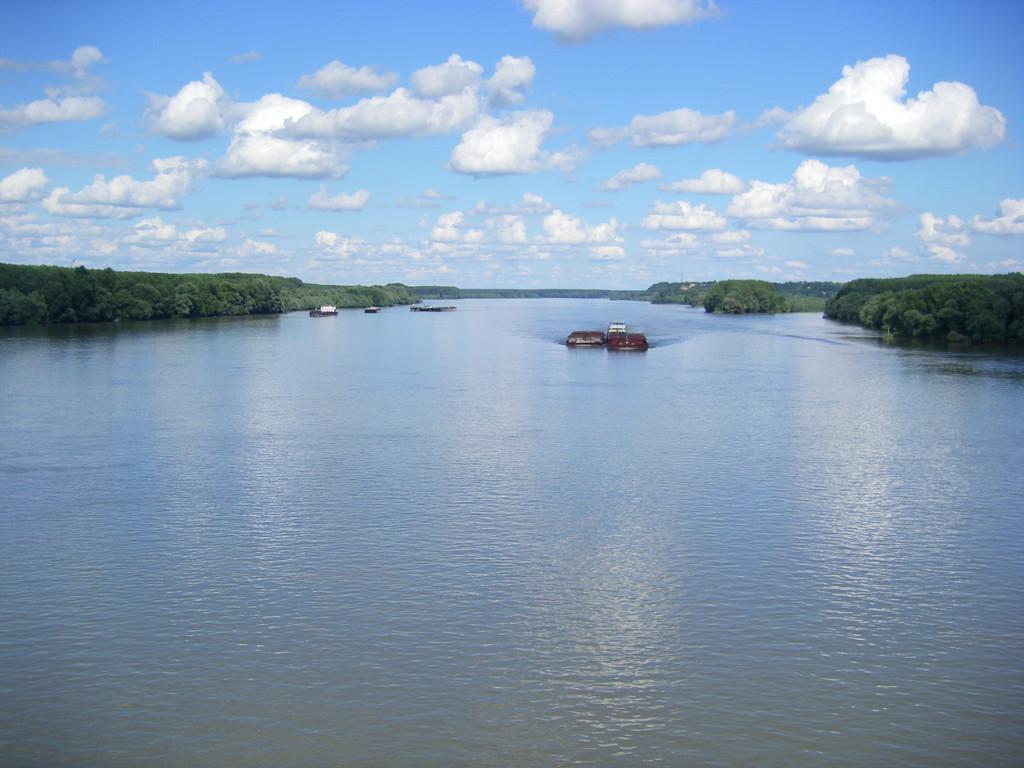 Le Danube marquant la frontière entre la Croatie et la Serbie.