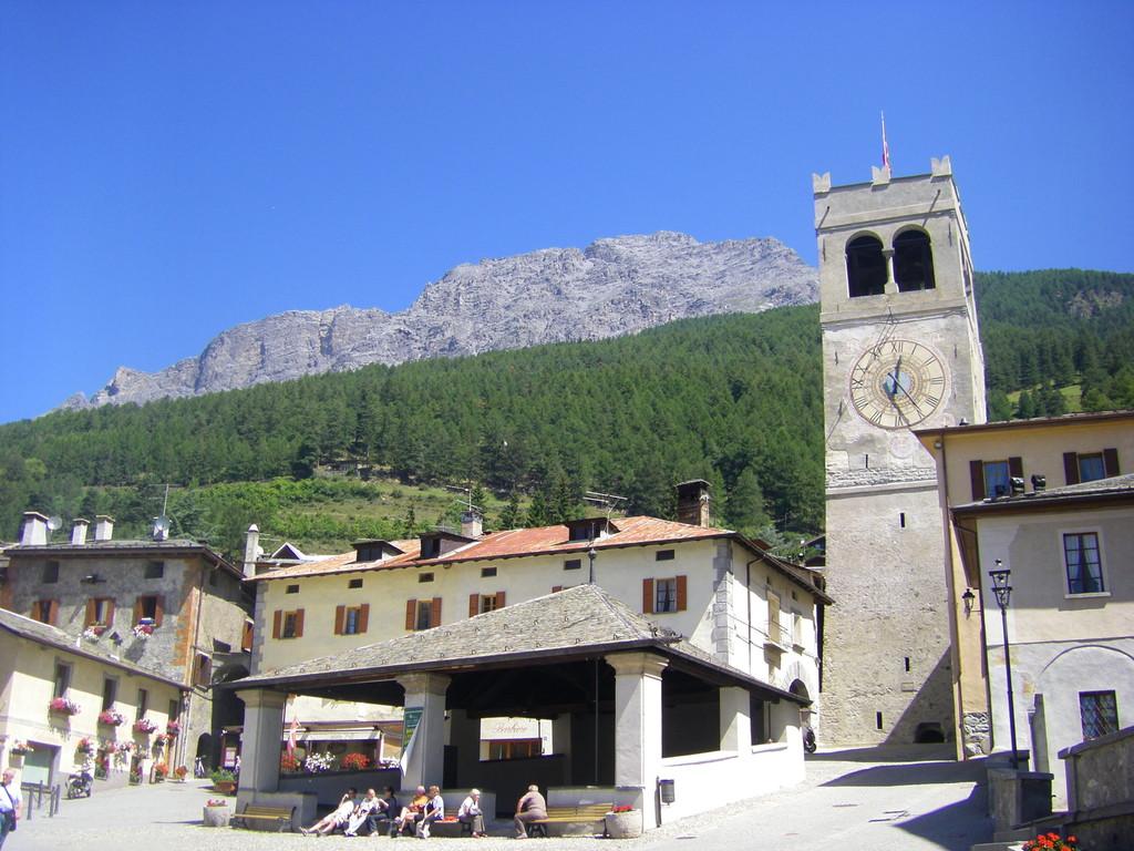 La place centrale de Bormio.