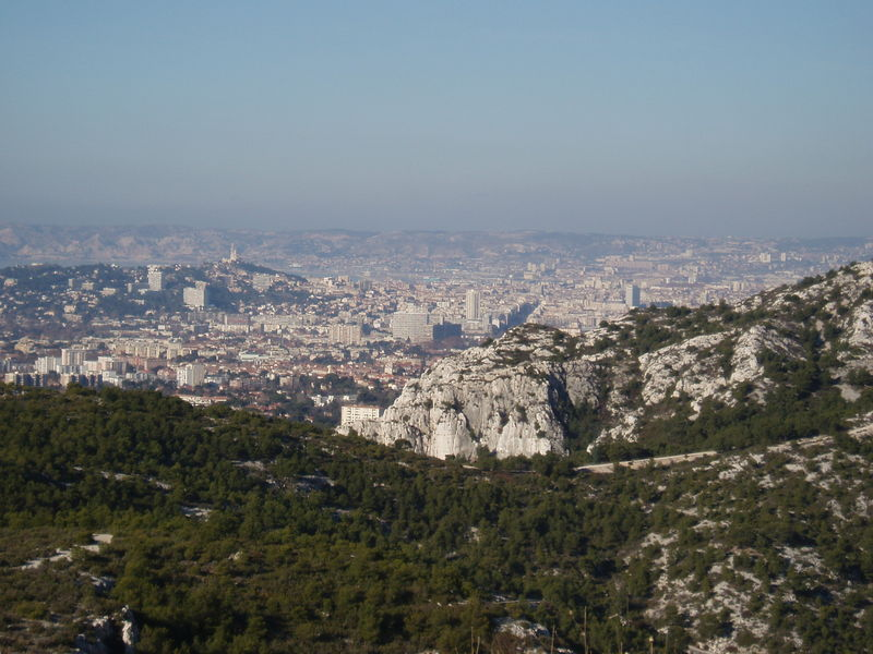 Marseille au loin