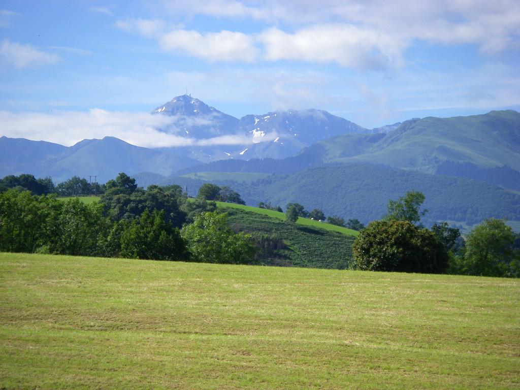 Le Pic du Midi de Bigorre depuis la côte de Loucrup.
