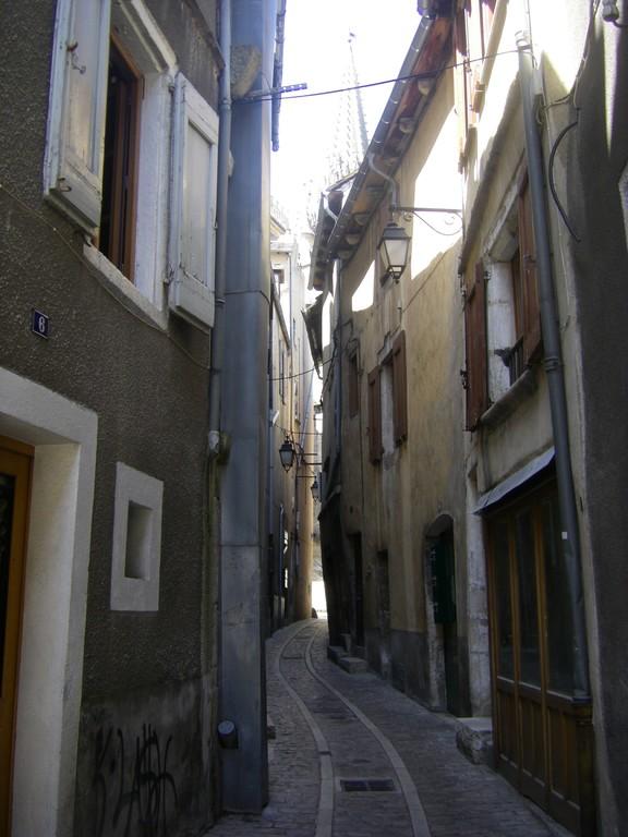 Une rue du centre de Mende.