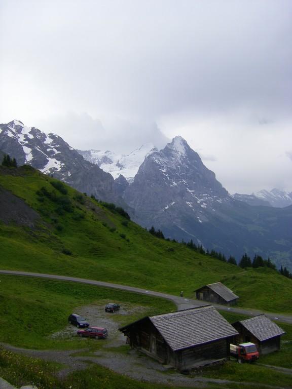 L'Eiger au loin.